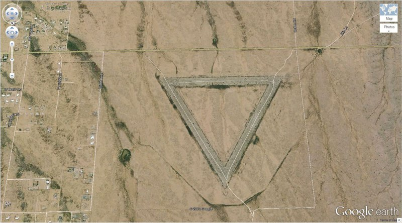 giant-triangle-google-earth