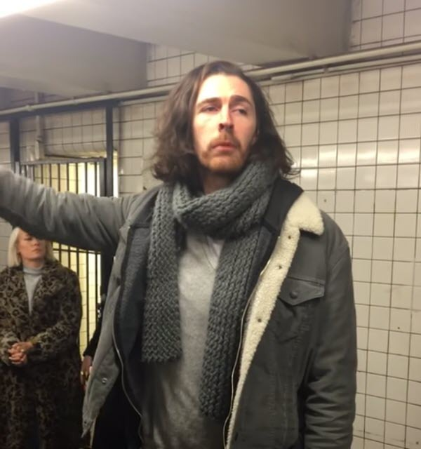 hozier-singing-take-me-to-church-nyc-subway