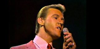 Righteous Brothers Unchained Melody singing live in 1965